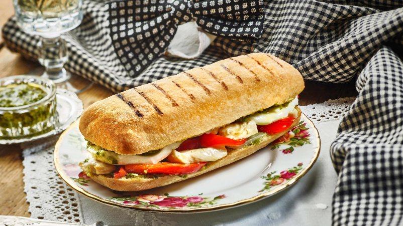 https://bezglutena-hr.schaer.com/recipes/panini-rolice-s-piletinom
