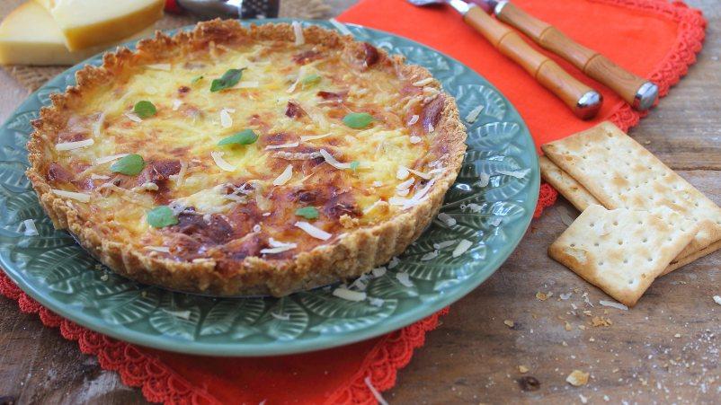 Quiche s tri vrste sira i slaninom